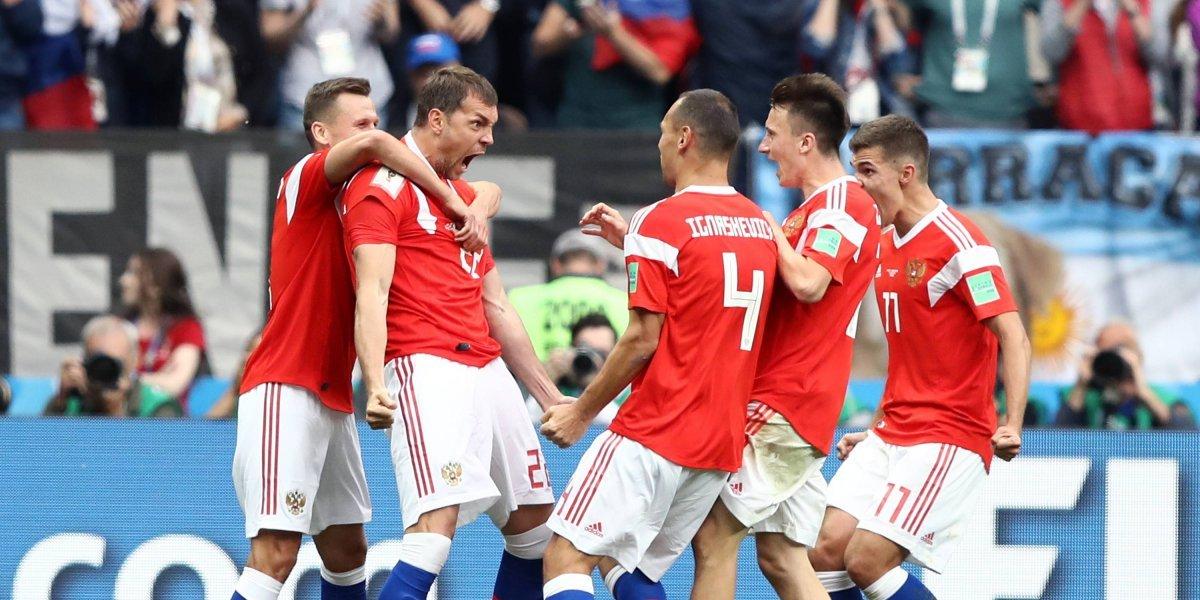 ¡La plaza roja! Rusia le dio un paseo turístico a Arabia Saudita (5-0)
