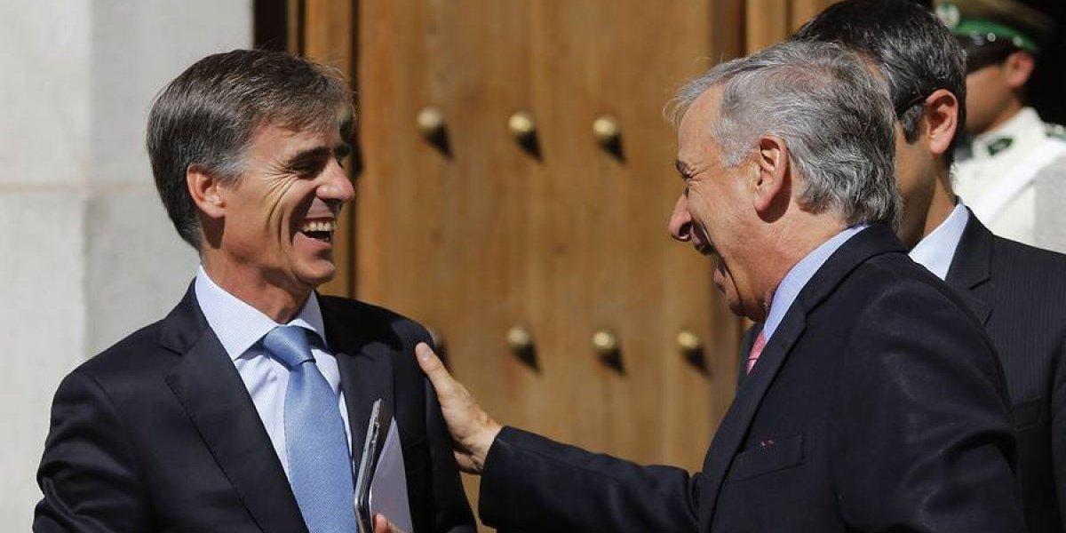 """Hacienda y Economía celebran resultados del IPoM: """"Estamos viendo a una economía que se está poniendo de pie"""""""
