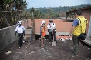 Bones, vecino que apoya en rescate de víctimas de la erupción