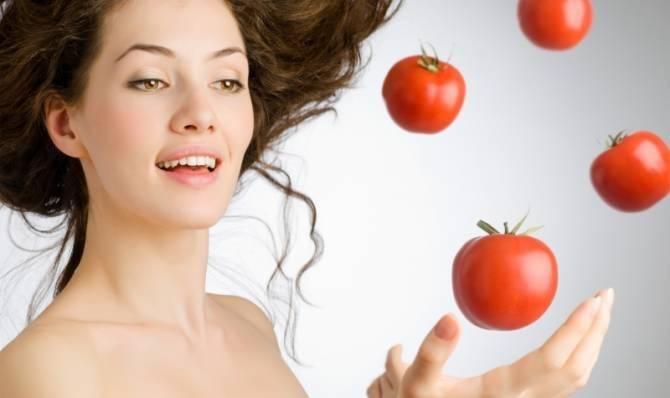 Mascarilla de tomate para remover la caspa