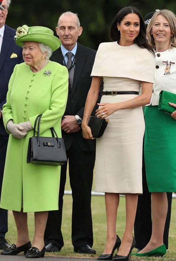 Meghan Markle Isabel II Givenchy