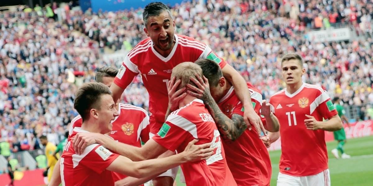 FOTO: Rusia celebra goleada a Arabia Saudita con épico pastel