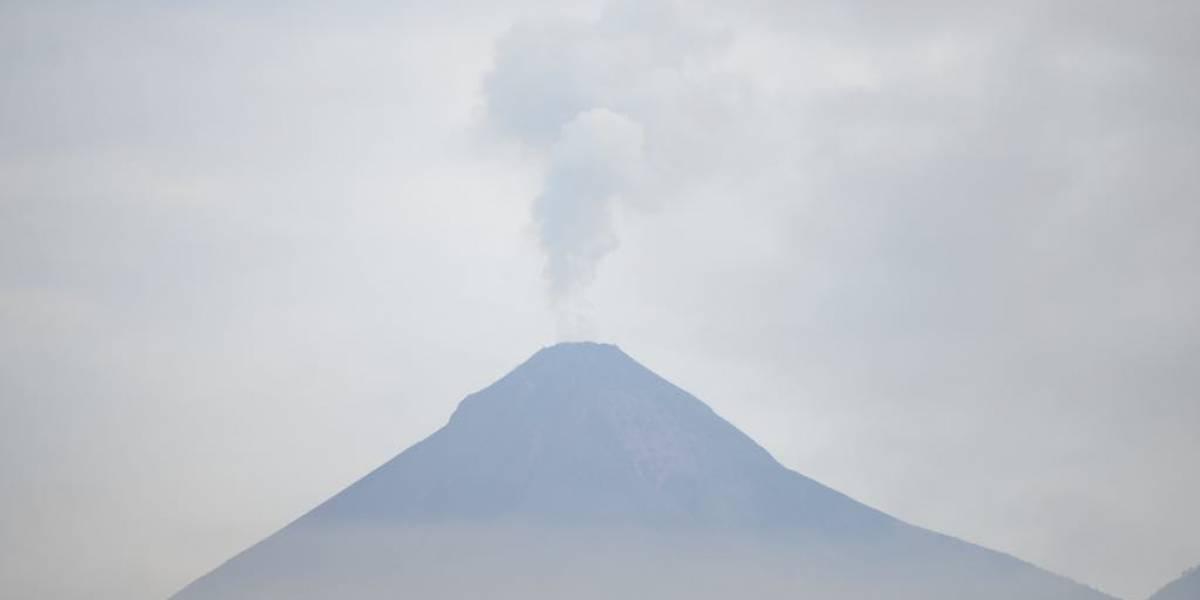 El Insivumeh reporta intensa actividad del volcán de Fuego