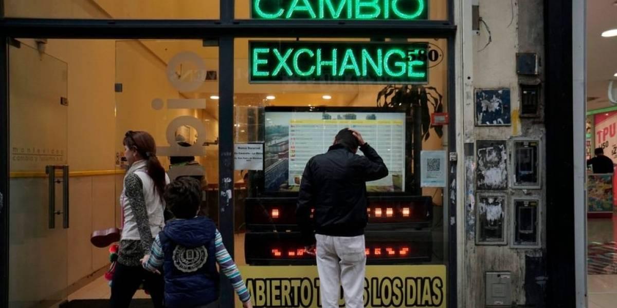 Por qué pese al acuerdo con el FMI volvió a caer el peso argentino que está en mínimos históricos
