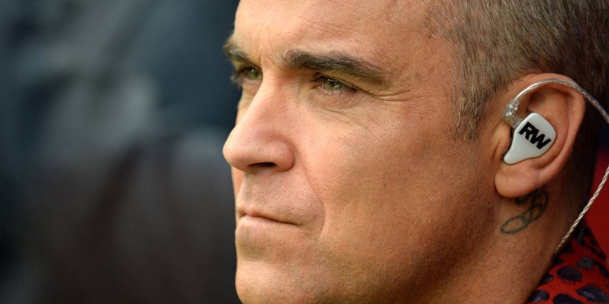 Fox se disculpa por gesto de Robbie Williams en inauguración del Mundial Rusia 2018