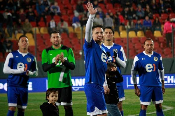 Gustavo Canales se despidió jugando por la U y Unión, los dos equipos con los que más éxitos consiguió a lo largo de su carrera / Foto: Agencia UNO