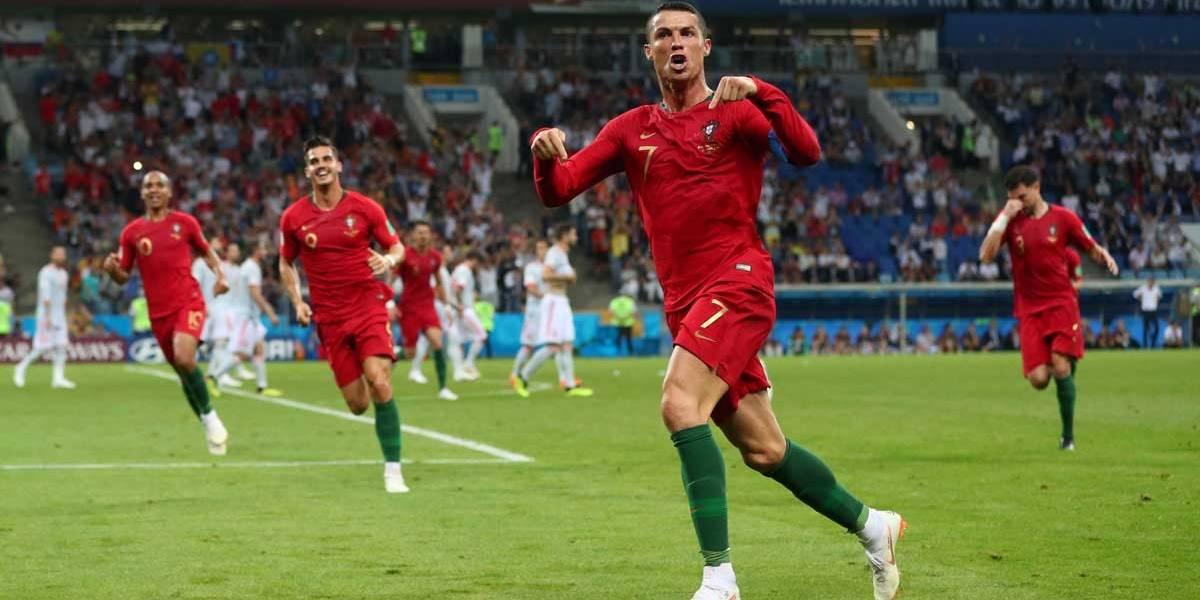 Cristiano Ronaldo brilha contra a Espanha. Placar  3 x 3  ba2bcf902bf13