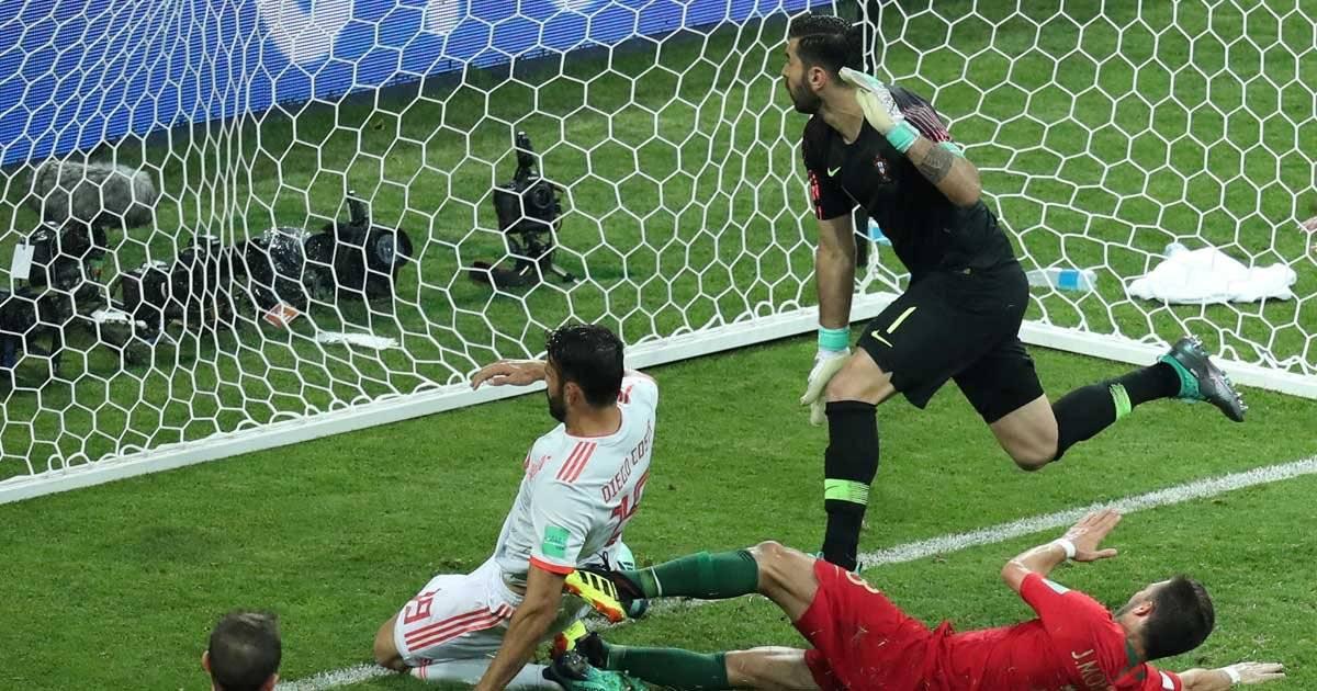 Diego Costa faz o segundo gol da Espanha Reuters