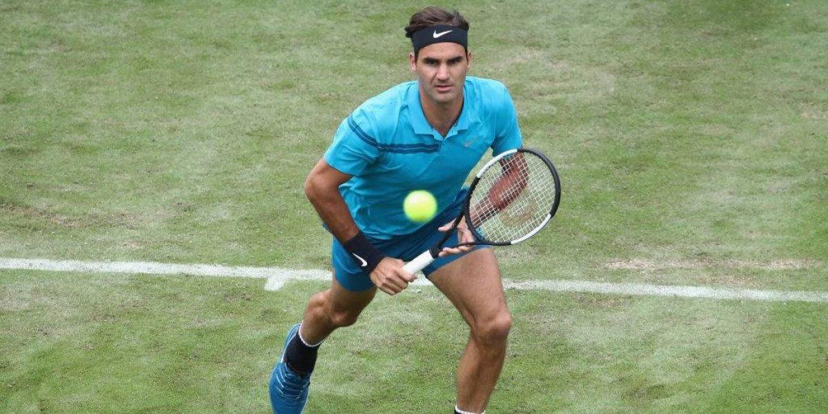 Federer pasa a semis de Stuttgart y queda a un triunfo del número uno del mundo