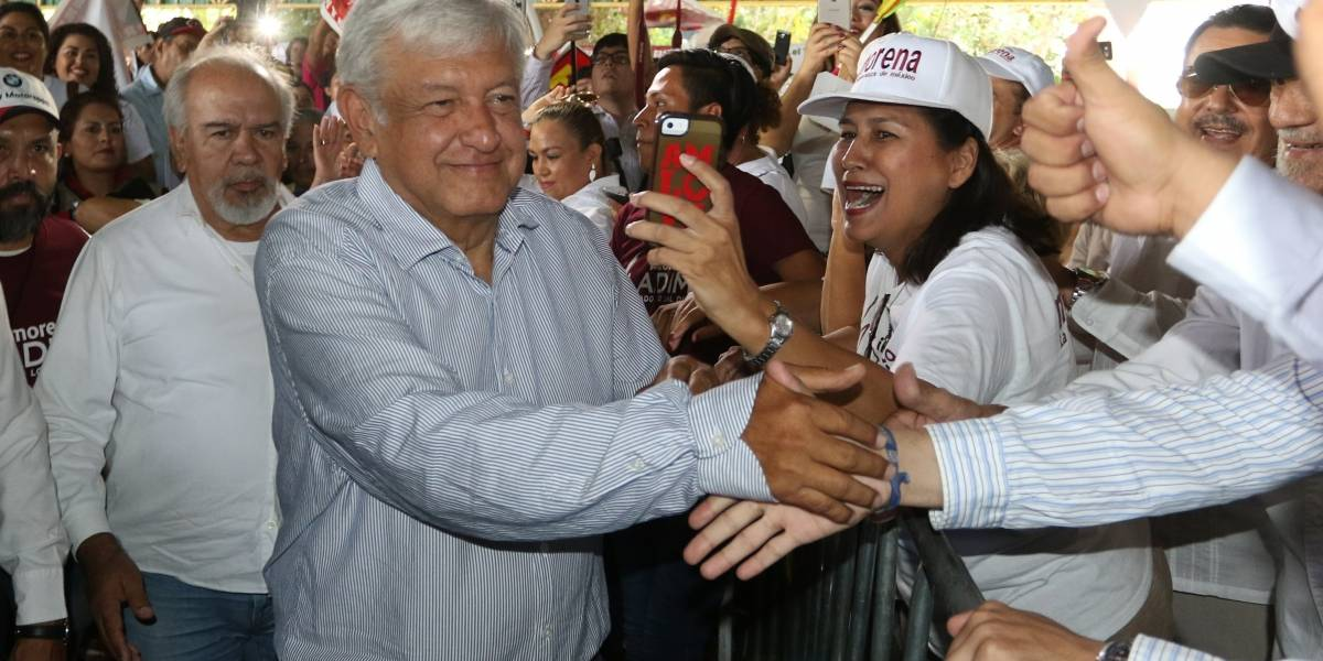 AMLO asegura que Meade y Anaya no ganan elección ni con fraude