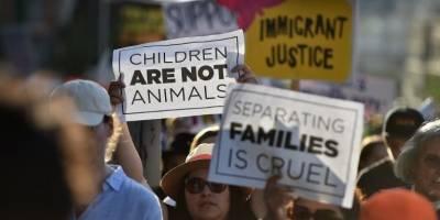 Niños migrantes separados de sus familias