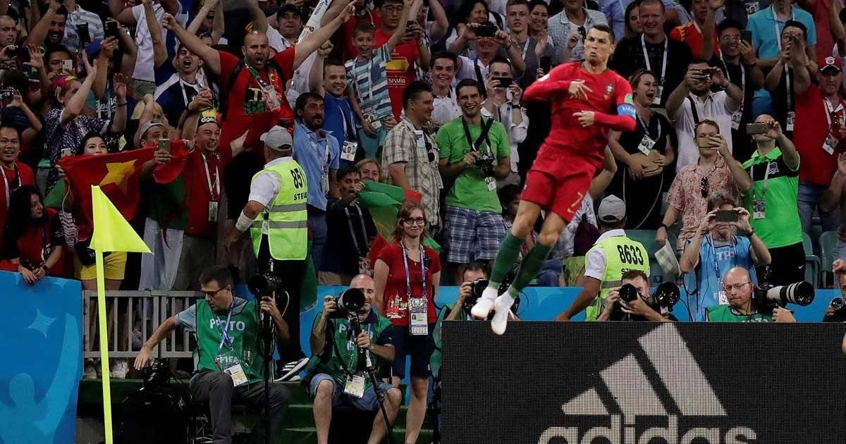 Cristiano Ronaldo comemora 1º gol de pênalti REUTERS/Ueslei Marcelino