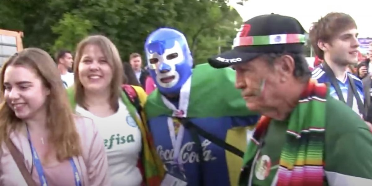 VIDEO: Mexicano usa máscara de luchador en Rusia 2018
