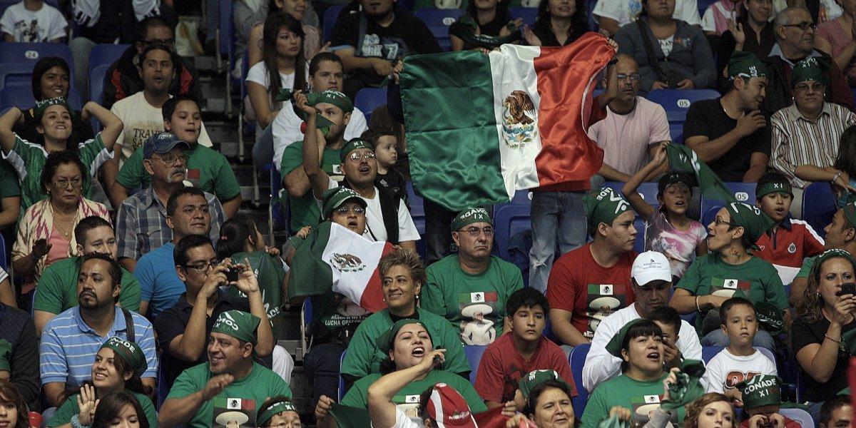 VIDEO: En plaza comercial, mexicanos protagonizan una pelea en Rusia