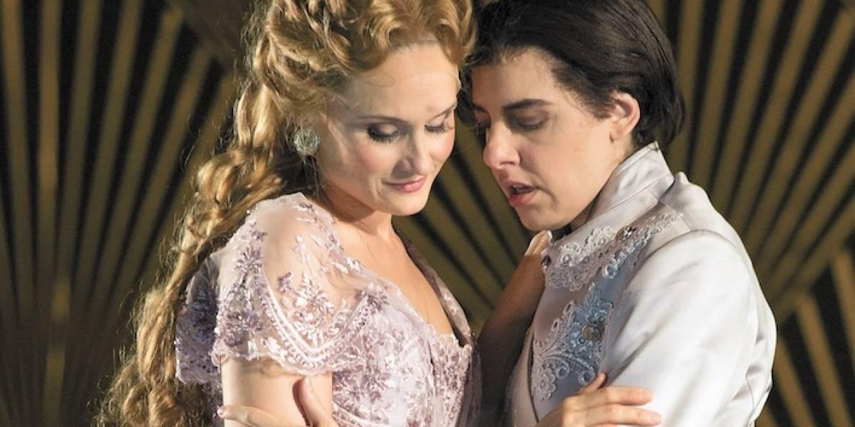 Ópera O Cavaleiro da Rosa aborda com leveza temas como desejo e identidade de gênero