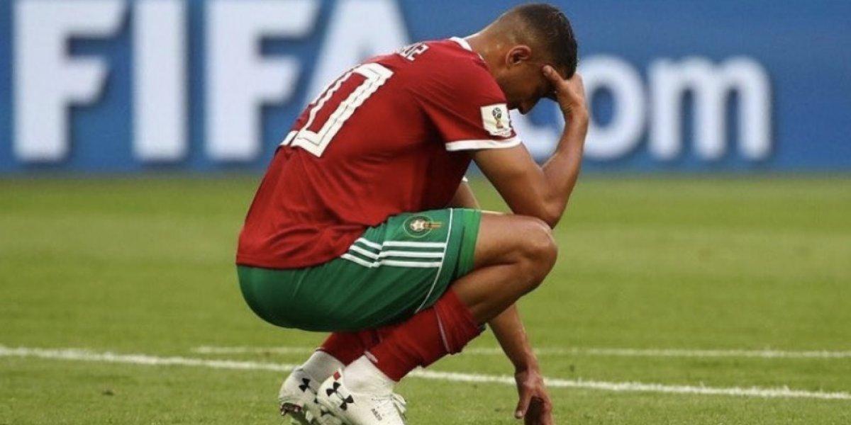 Jugador marroquí consuela a su compañero de selección