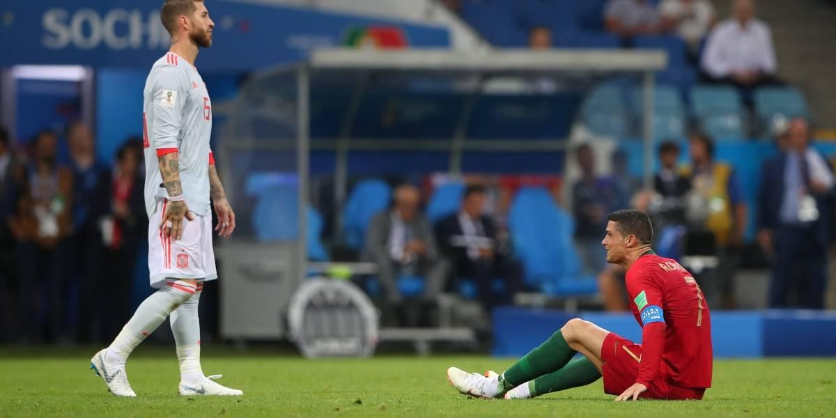 """Piqué diz que Cristiano Ronaldo é """"propenso a se jogar"""""""