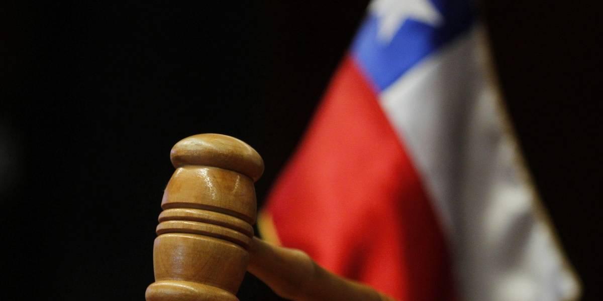 Corte de Apelaciones podría sancionar a juez que absolvió a menor por alunizaje
