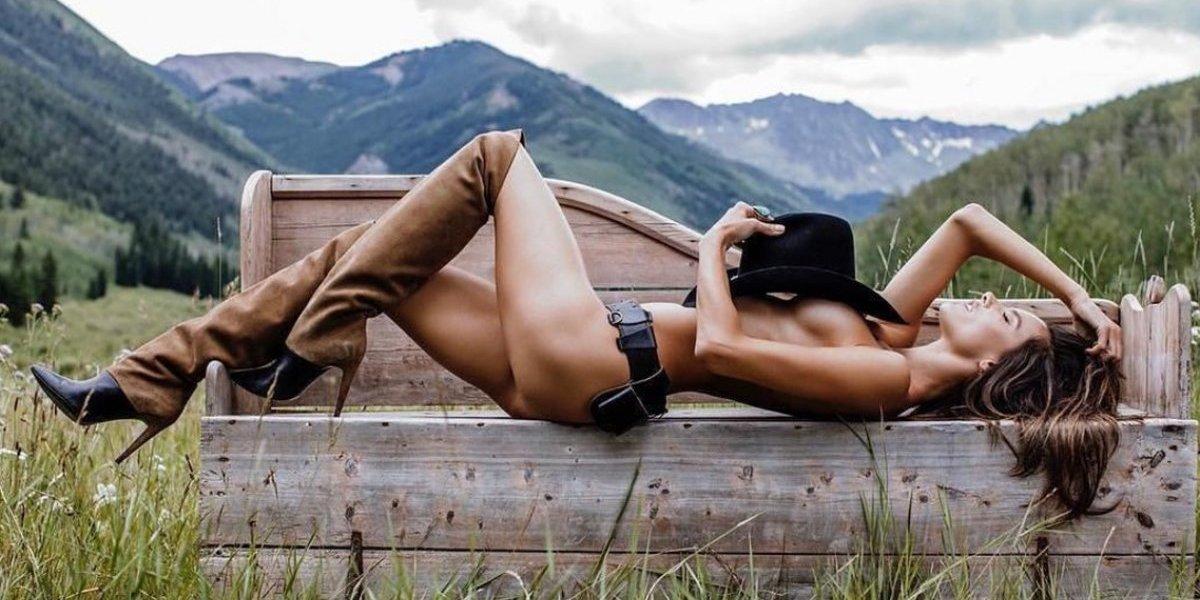 Alessandra Ambrosio apoya a la selección de Brasil con sexy fotografía