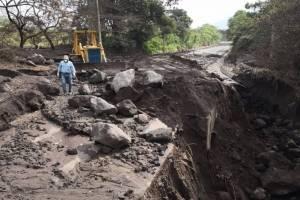 La Ruta Nacional 14 fue cerrada por la erupción del volcán de Fuego.