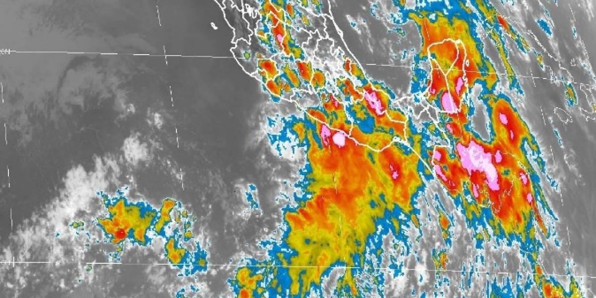 Guerrero en alerta roja por la tormenta tropical Carlotta