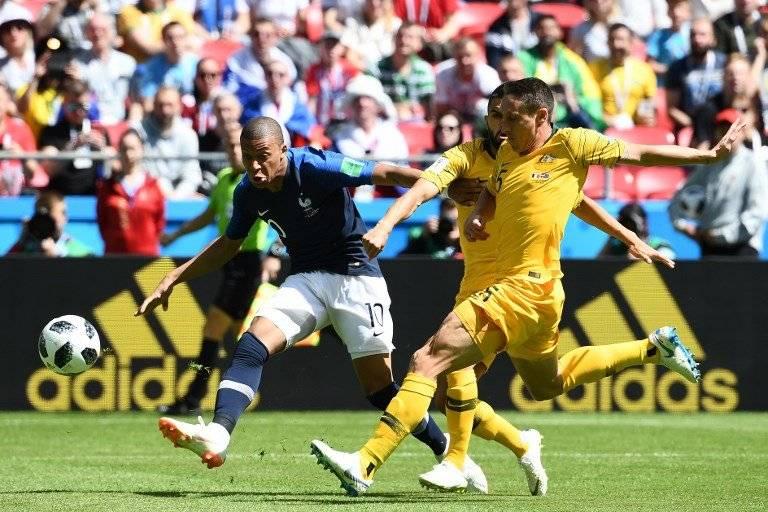 Mbappe durante el partido ante Australia