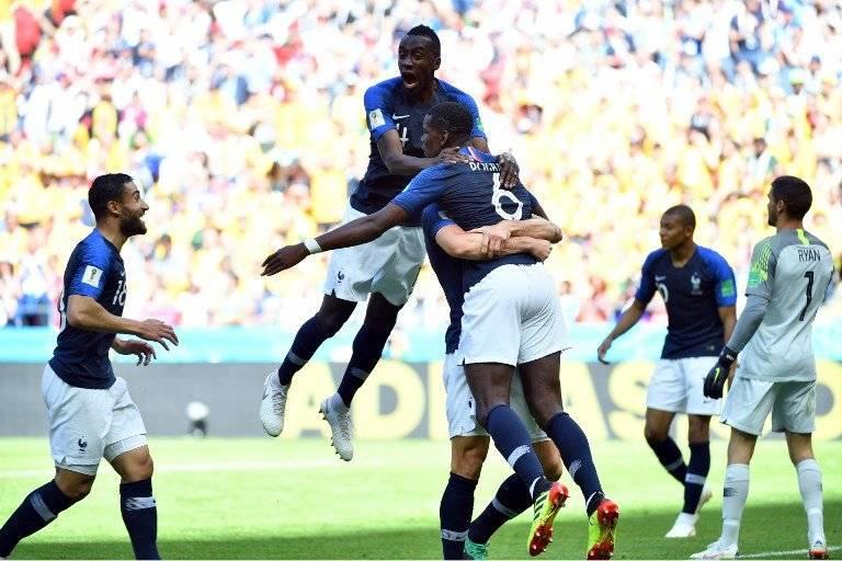 Los galos celebran el gol de Pogba