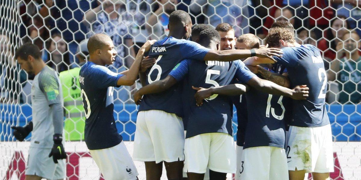 ¡Francia VAR! Sin mucho fútbol y con polémica, los galos vencen a Australia