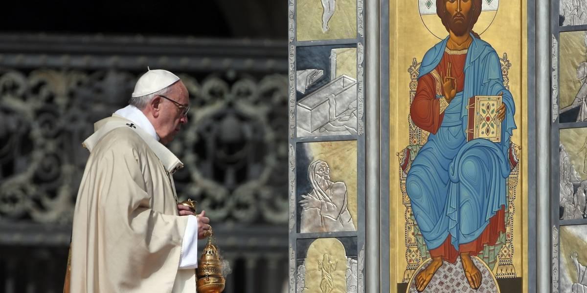 """Tras aprobación en Argentina, Papa Francisco compara el aborto con """"prácticas nazis"""""""