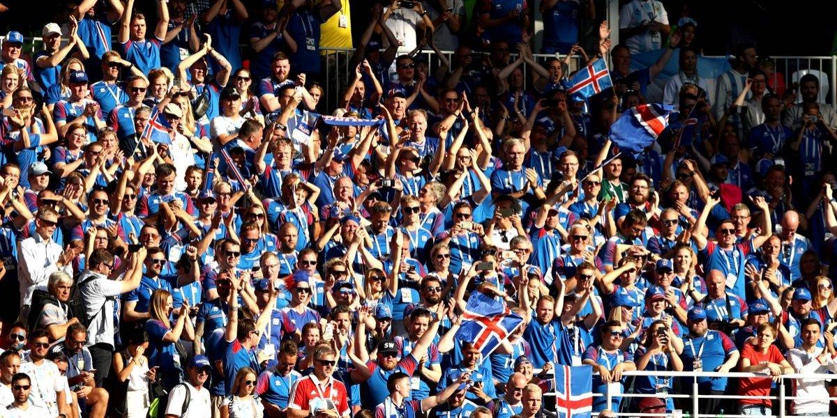 VIDEO: Aficionados de Argentina e Islandia intercambian camisetas