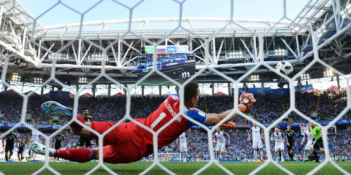 VIDEO: Narrador islandés enloquece cuando Halldorsson para penalti a Messi