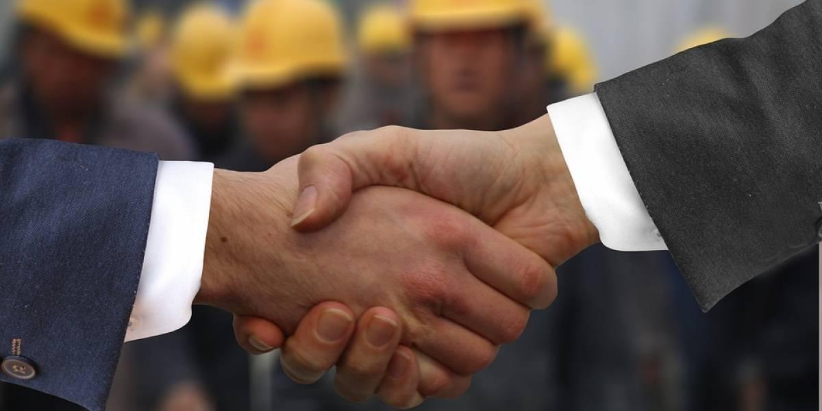 ¡Generosos! Empresa entrega el 10% de su propiedad a los trabajadores