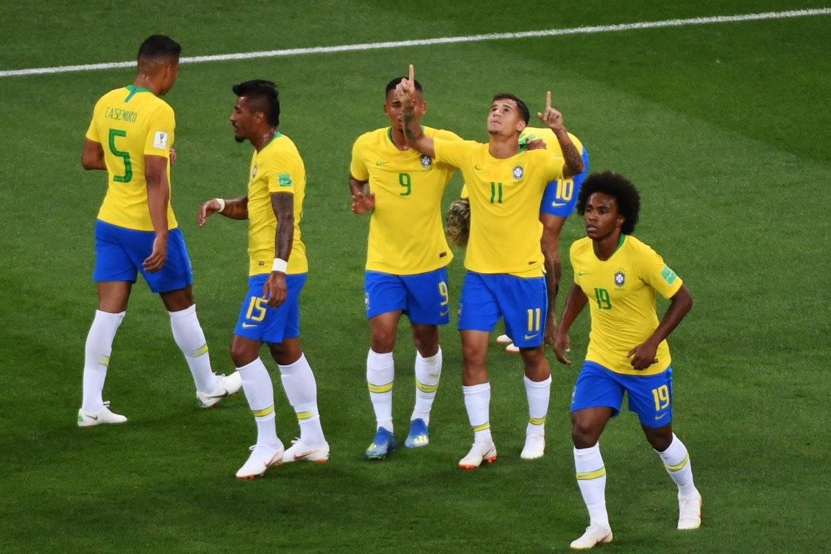 Countinho marcó una joya de gol.
