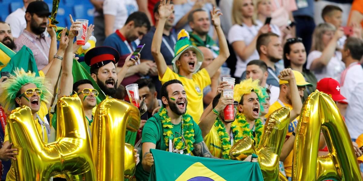 58670bee5d Torcida acredita em vitória do Brasil