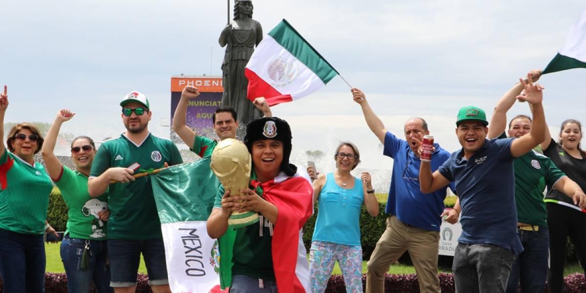 Acuden miles de tapatíos a celebrar a México en La Minerva