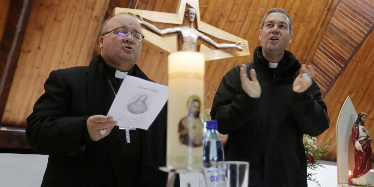 Enviados papales terminan misión en Osorno con polémica misa de reconciliación
