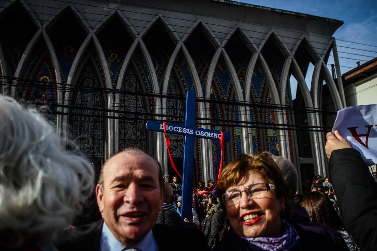 La iglesia reacciona y presenta oficina de denuncias de abuso en Chile