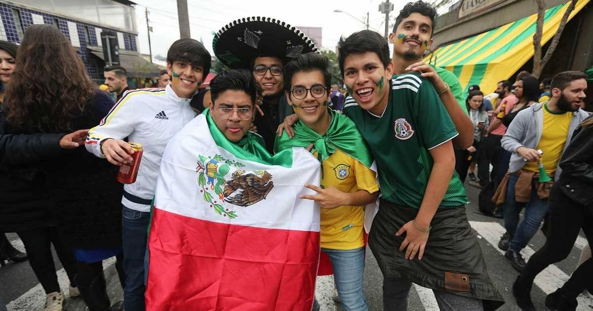 Teve até torcedor do México comemorando com a torcida brasileira Foto: André Porto / Metro Jornal