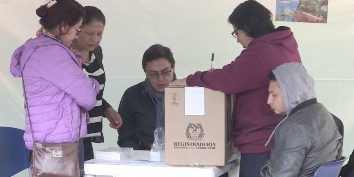 Diez mesas de votación han tenido que ser trasladadas