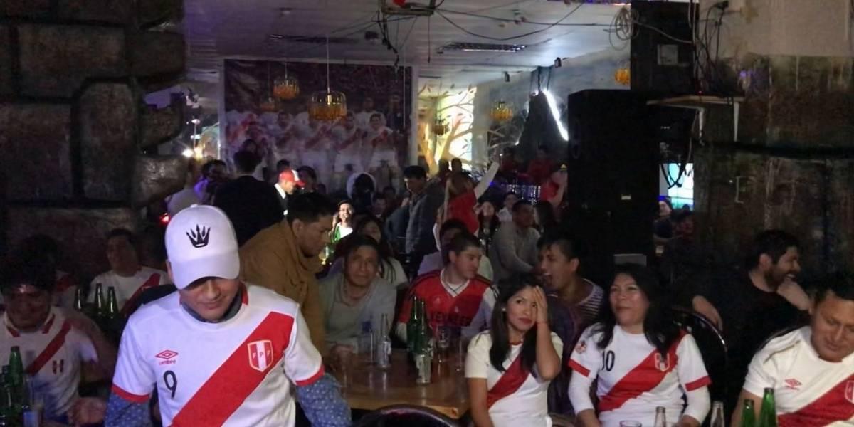 Cara y sello peruano en Chile: La alegría y la tristeza tras 36 años sin ver a su selección en el Mundial