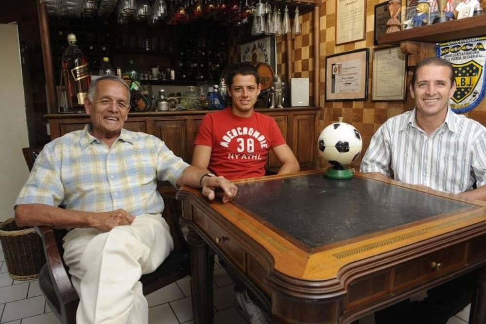 """El """"Chicharito"""" Hernández proviene de una familia de futbolistas: su abuelo Tomás Balcázar y su padre Javier Hernández. / Archivo"""
