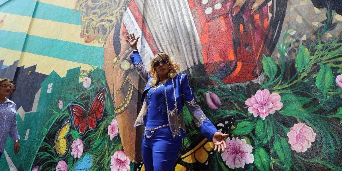 Fefita la Grande tiene su mural en Santiago