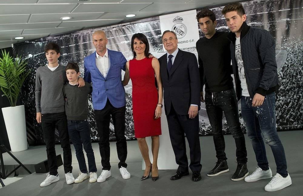 Todos los hijos de Zinedine Zidane, Enzo, Luca, Theo y Elyaz, también están dedicados al futbol. / Getty Images