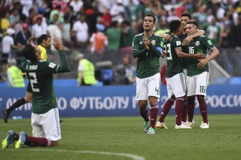 Tras finalizado el partido, los jugadores mexicanos celebraron a lo grande
