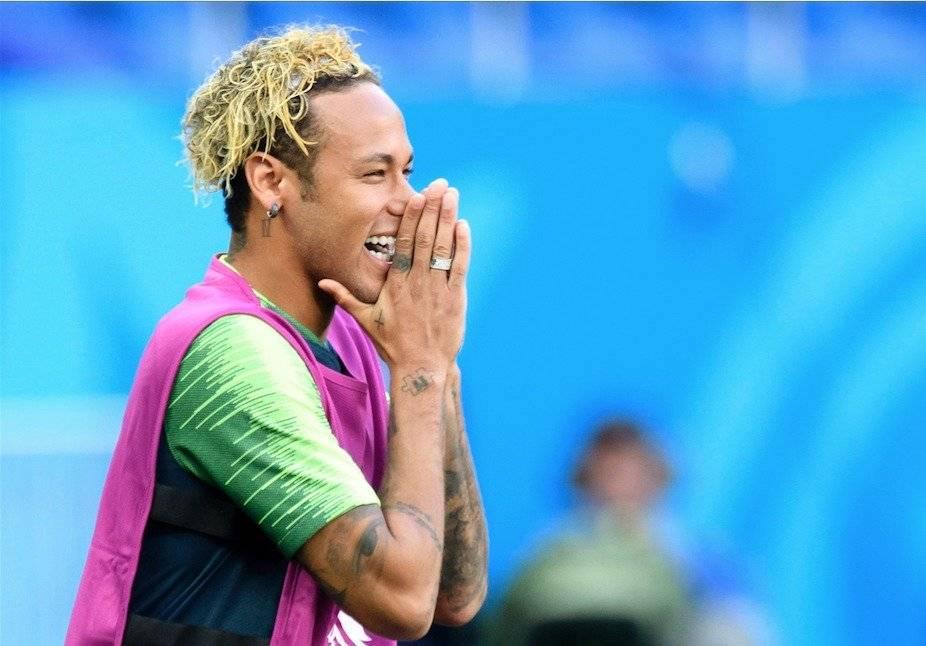 Eric Cantona se mofa del peinado de Neymar: