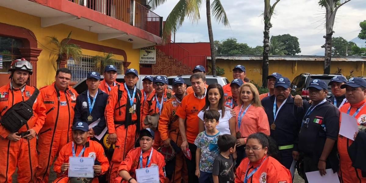 Despiden a los Topos de México que ayudaron en labor de rescate