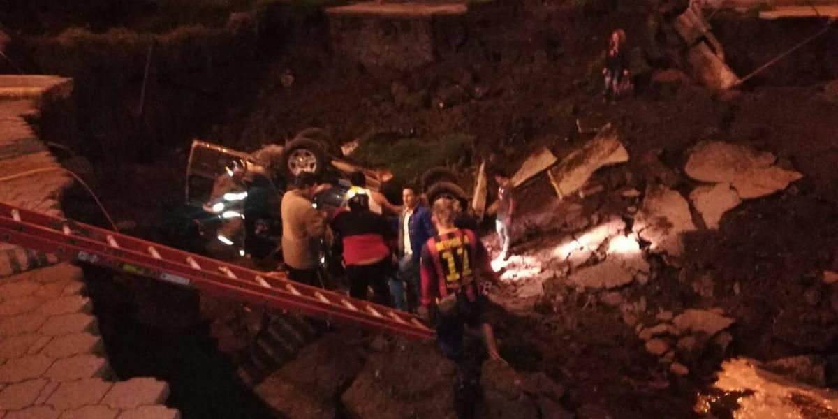 Se registra colapso de un puente en sector de El Choclo