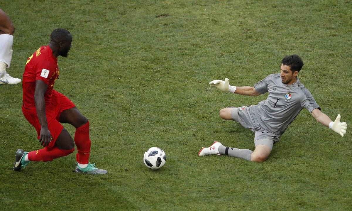 Jaime Penedo ha tapado todo a los belgas.