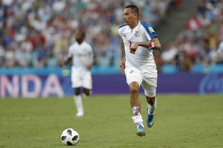 Blas Pérez conduce el balón durante el encuentro ante Bélgica