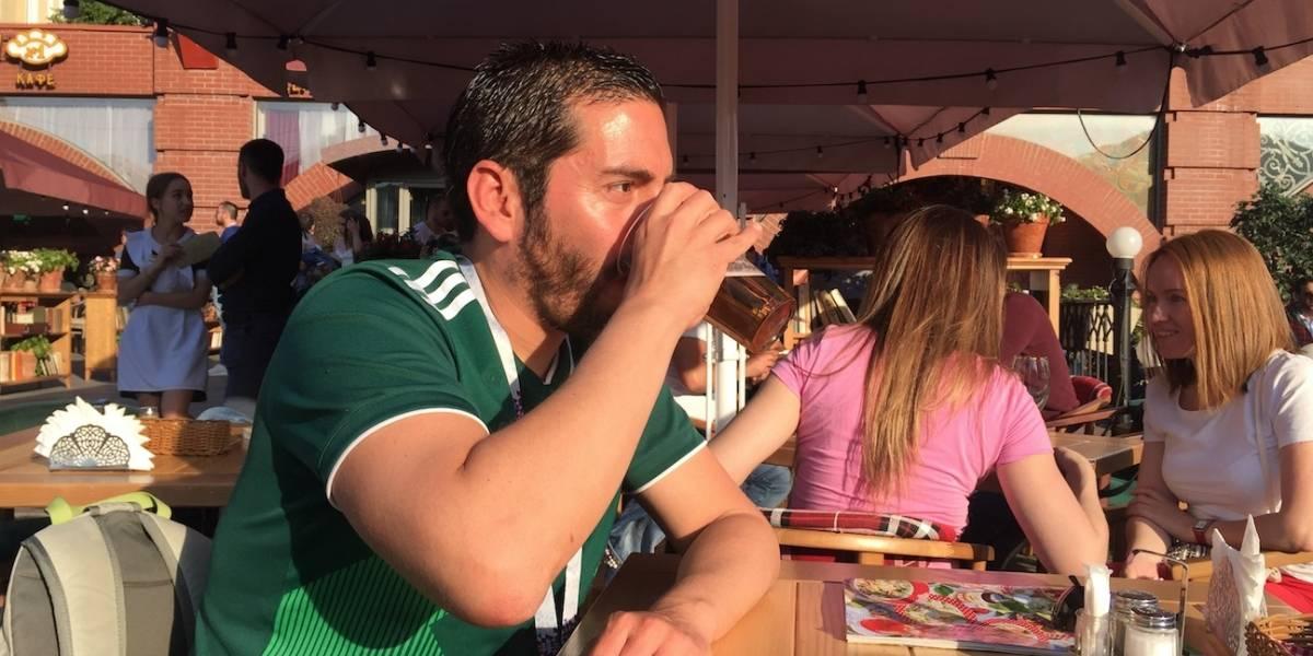 Fans del futbol terminan con las reservas de alcohol y alimentos en Moscú
